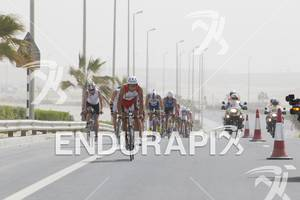 Andi Bocherer leading the chase group at the 2012 Abu Dhabi International Triathlon