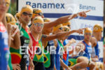 Elite Men discuss the swim course priot to the start…