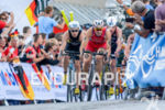 Javier Gomez leads the pack at the 2014 Hamburg World…