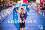 Alistair Brownlee celebrates his win at the 2015 London Itu…