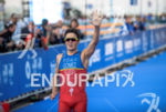 Javier Gomez becomes world champion at the 2015 WTS Chicago…